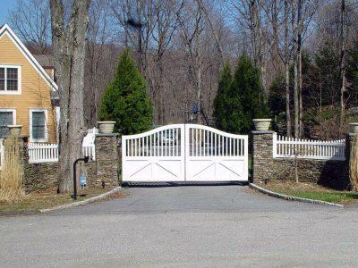 house entering gate